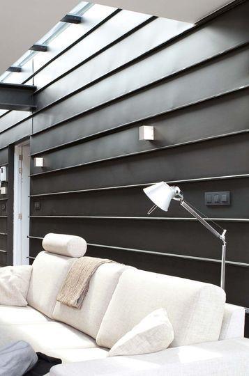 Cloison métallique intérieure noire, bardage extérieur Cladding - Pose De Lambris Pvc Exterieur