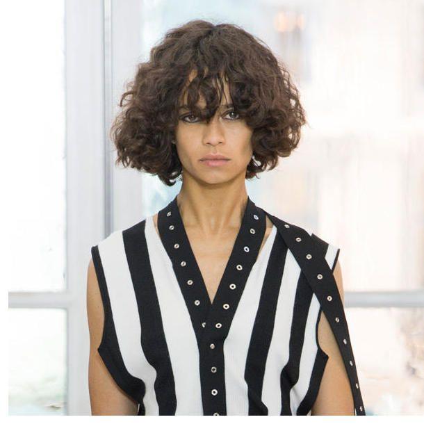 Frisuren Fur Locken 2019 Neueste Frisuren Pinterest Hair