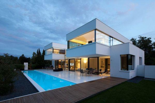 Architecture minimaliste une maison en baviere aux lignes sobres et tours cubiques inspiree part les