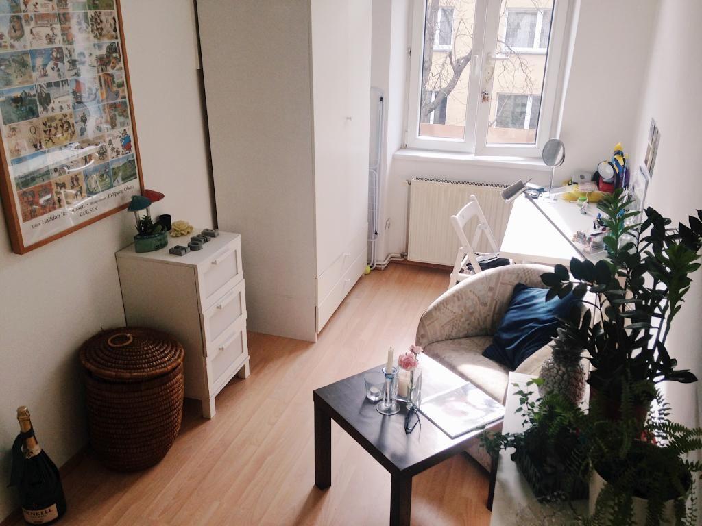 Hochwertig Sein WG Zimmer Schön Einzurichten Ist Auch Bei Wenig Platz Kein Problem.  Die Möbel