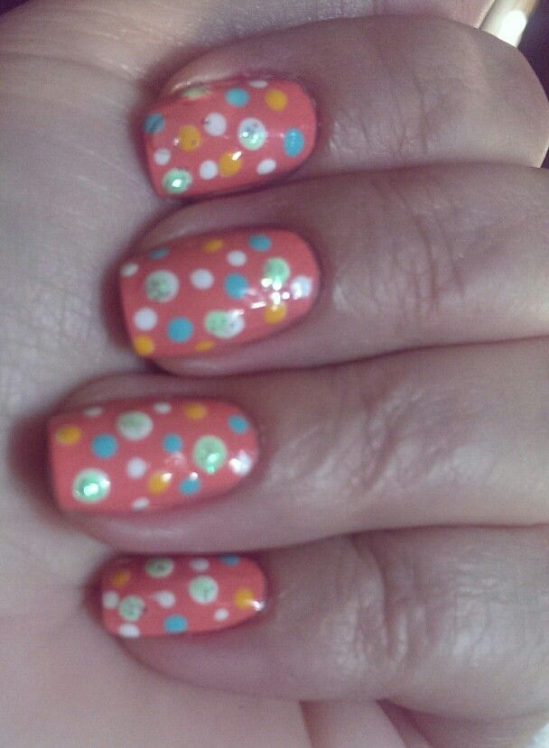 Crazy dots. Base color from Essie.
