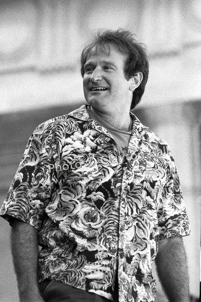 Robin Williams 090890-3