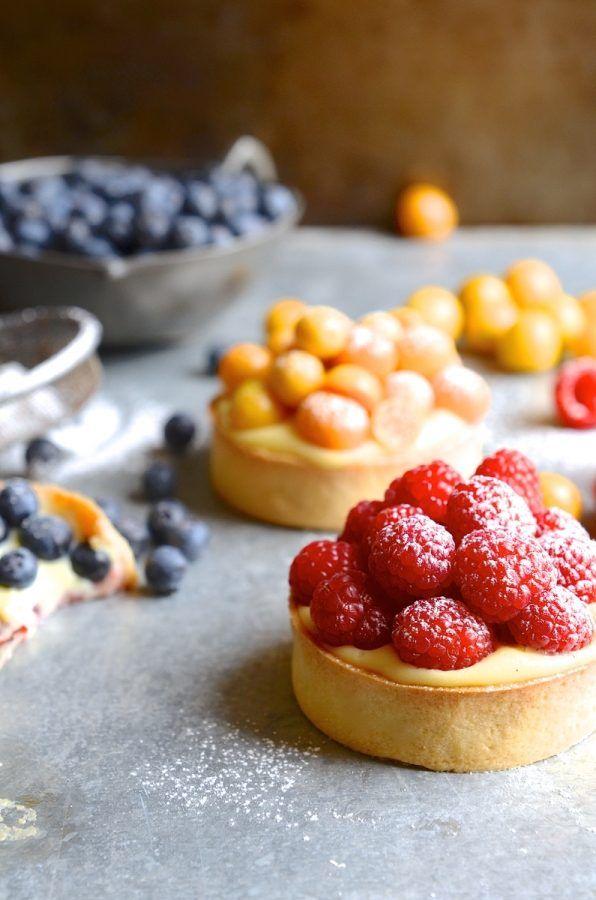 Crème pâtissière summer berry tarts #bibbyskitchenrecipes #baking #dessert #frenchpastisserie #Southafricanbakeoff #pastry
