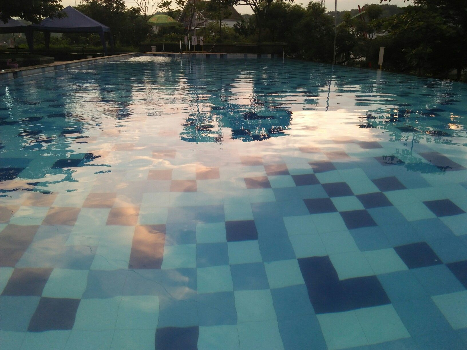 Usually here's so crowded | Swimming pool | Pinterest on