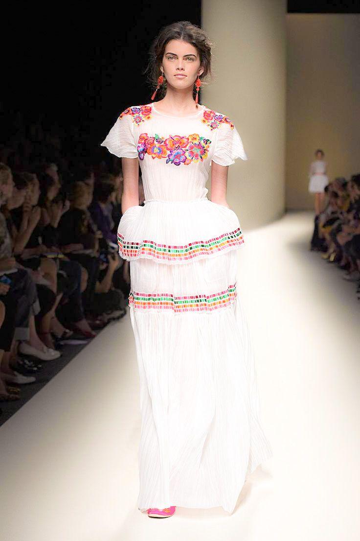 Vestidos de Novias en Mexico: ¡Un Espectáculo de Color! | boda de ...