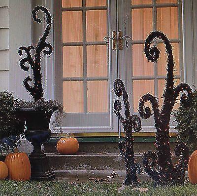 lemax spooky town 2002 castle on spooky hill lighted building halloween house halloween house - Tim Burton Halloween Decorations