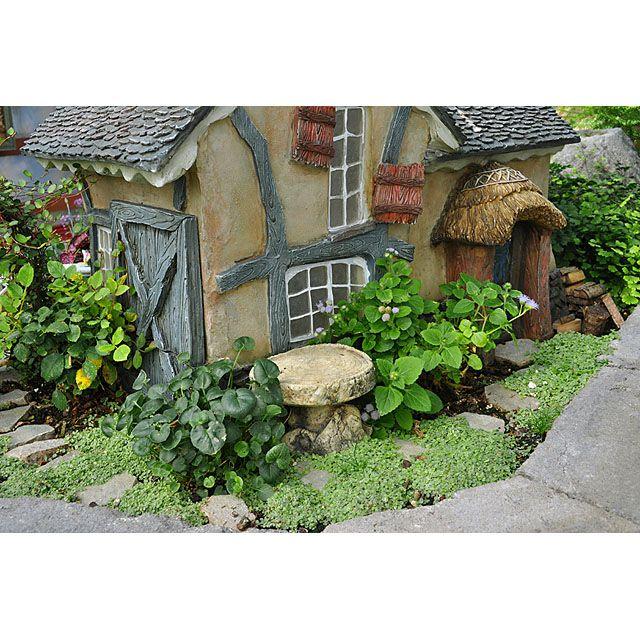 Behind the cottage #garden, miniatures