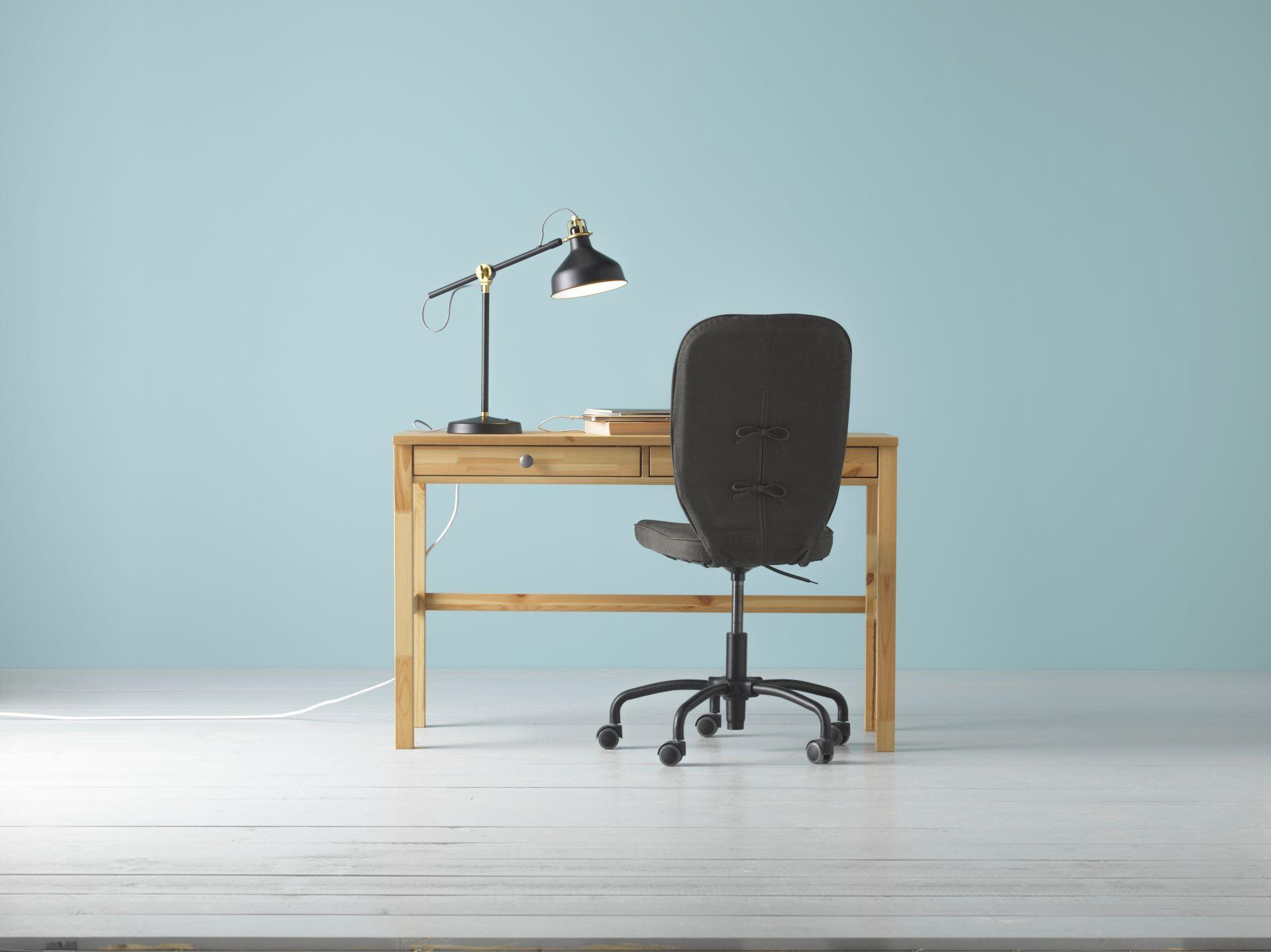 Hemnes bureau met lades lichtbruin ikea catalogus
