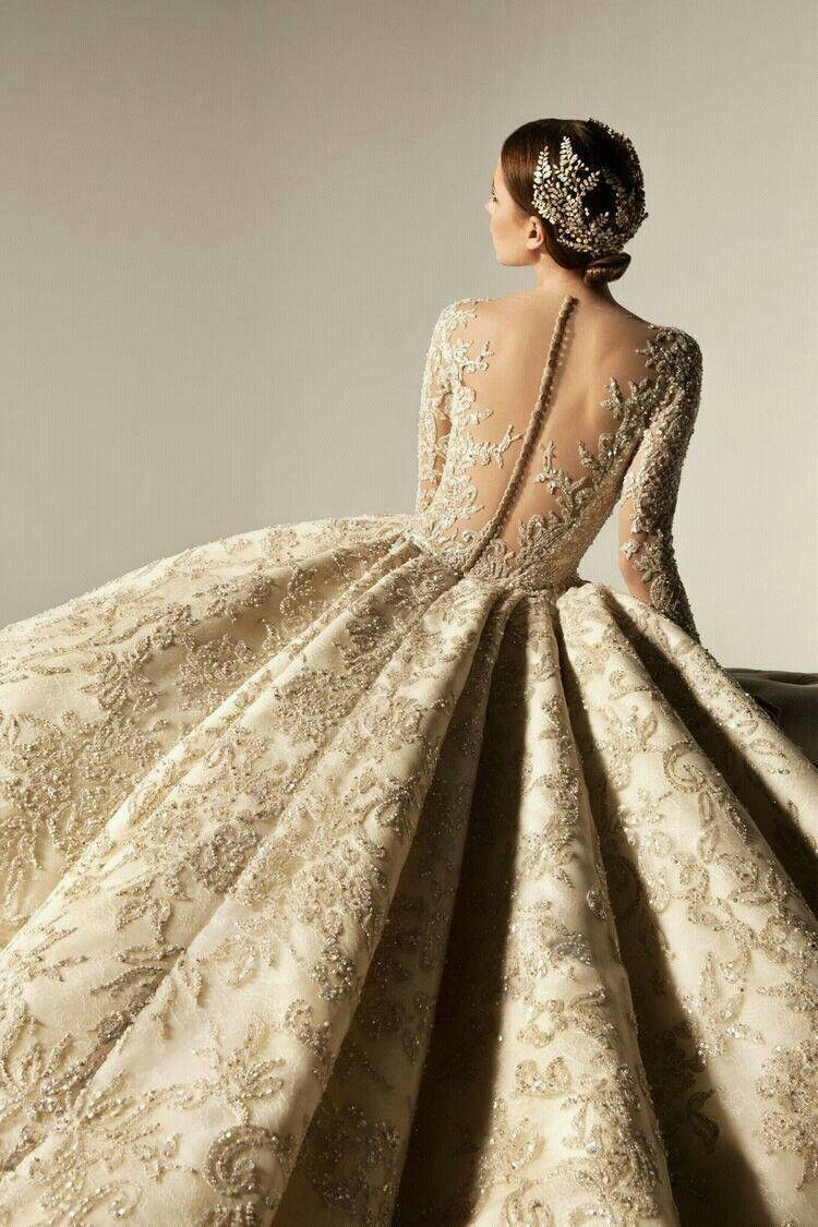 dbff237e0fdd Beautiful full dress back pose | Wedding Photography in 2019 ...