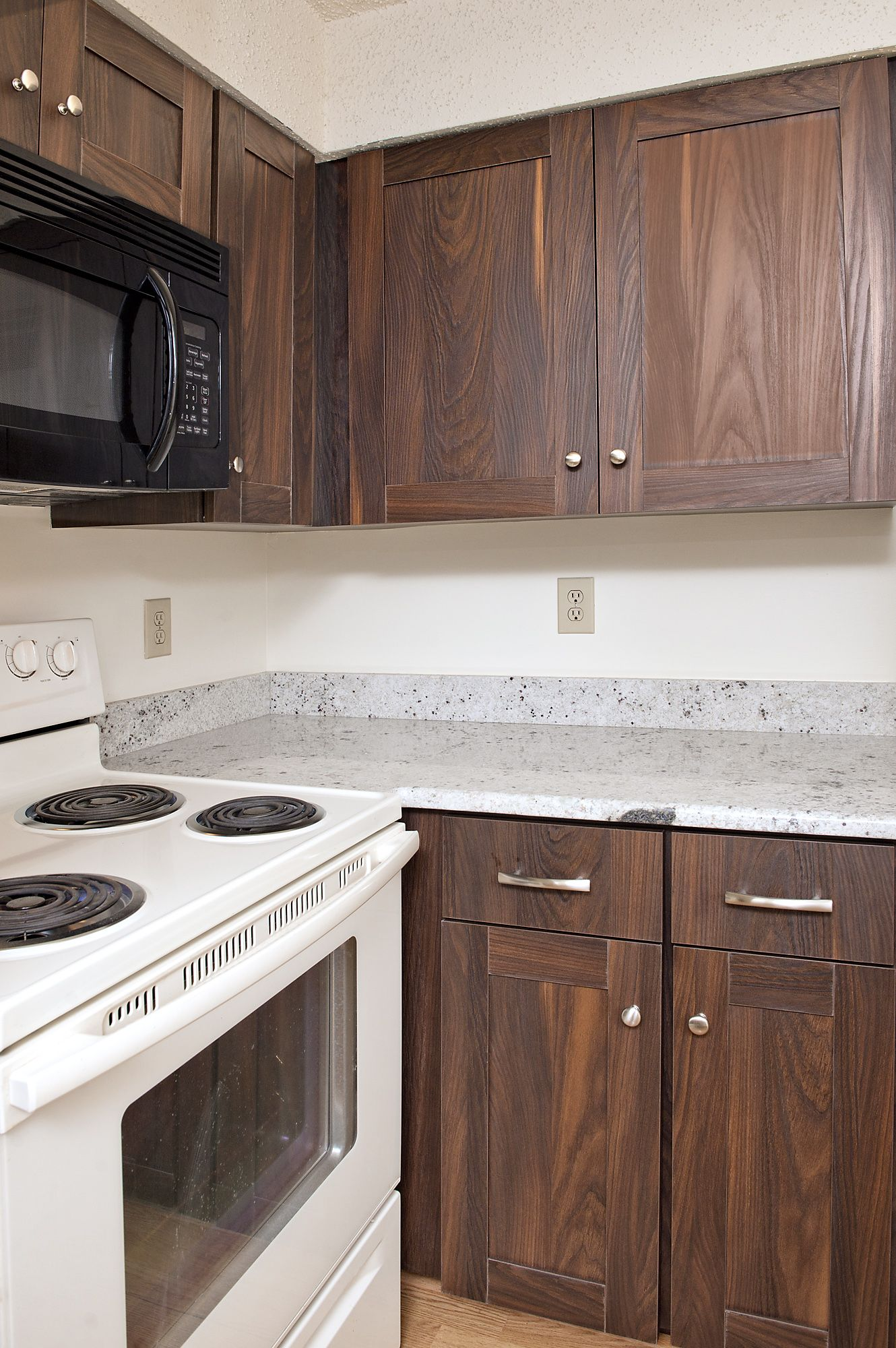 Alexandria Va K S Renewal Systems Llc Bold Kitchen Slab Door Kitchen