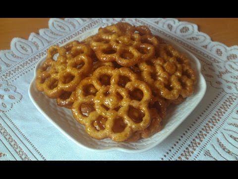 حلوى الوردة بالمرشم المقلية في الزيت تشبه الشباكية Halwat Lwarda Au Miel Youtube Arabic Dessert Chef Recipes Food