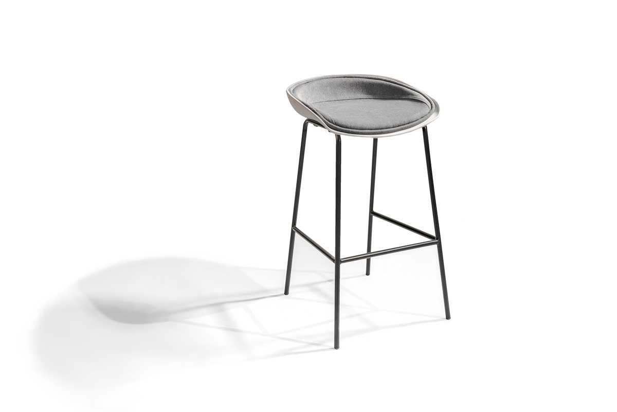 Sc900 Un Tabouret Exceptionnel En Tissu Avec Pietement Metallique Noir In 2020