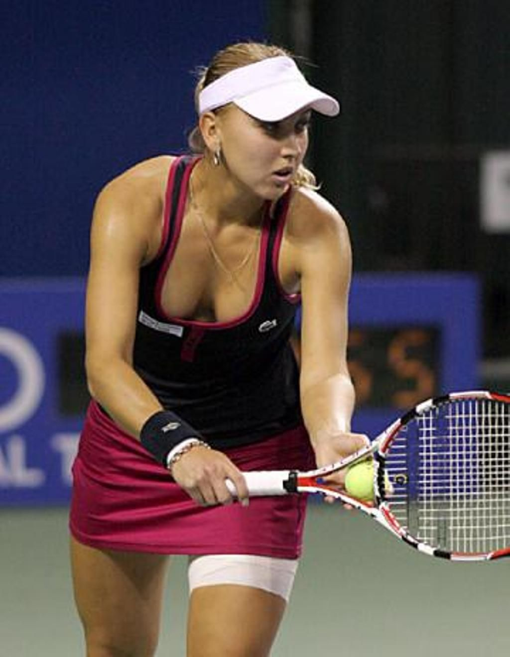 Elena Vesnina Is A Ukranian Player And She Was Born In 1986 In Russia Description From Pakistan Jobz Pk I Tennis Players Female Ladies Tennis Anna Kournikova
