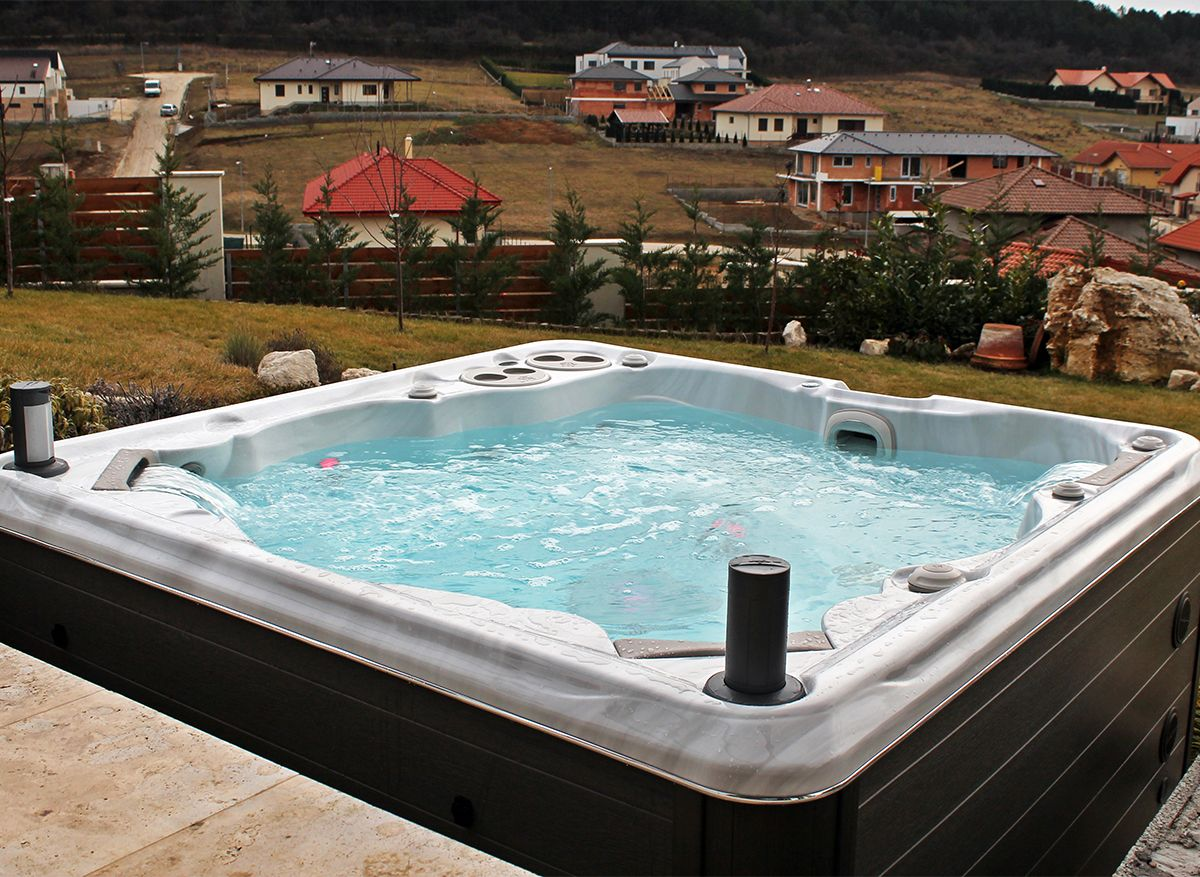 Don\'t want to obstruct your view? Install your hot tub at the same ...