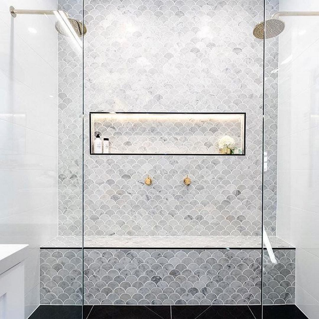 Sasha Chris Badkamer 38 Beautiful Fish Scale Tile Bathroom Ideas Gorgeous Interior