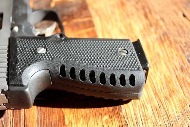 Lakeline LLC G10 Grip on Kahr K9/K40 | Lakeline LLC Pistol