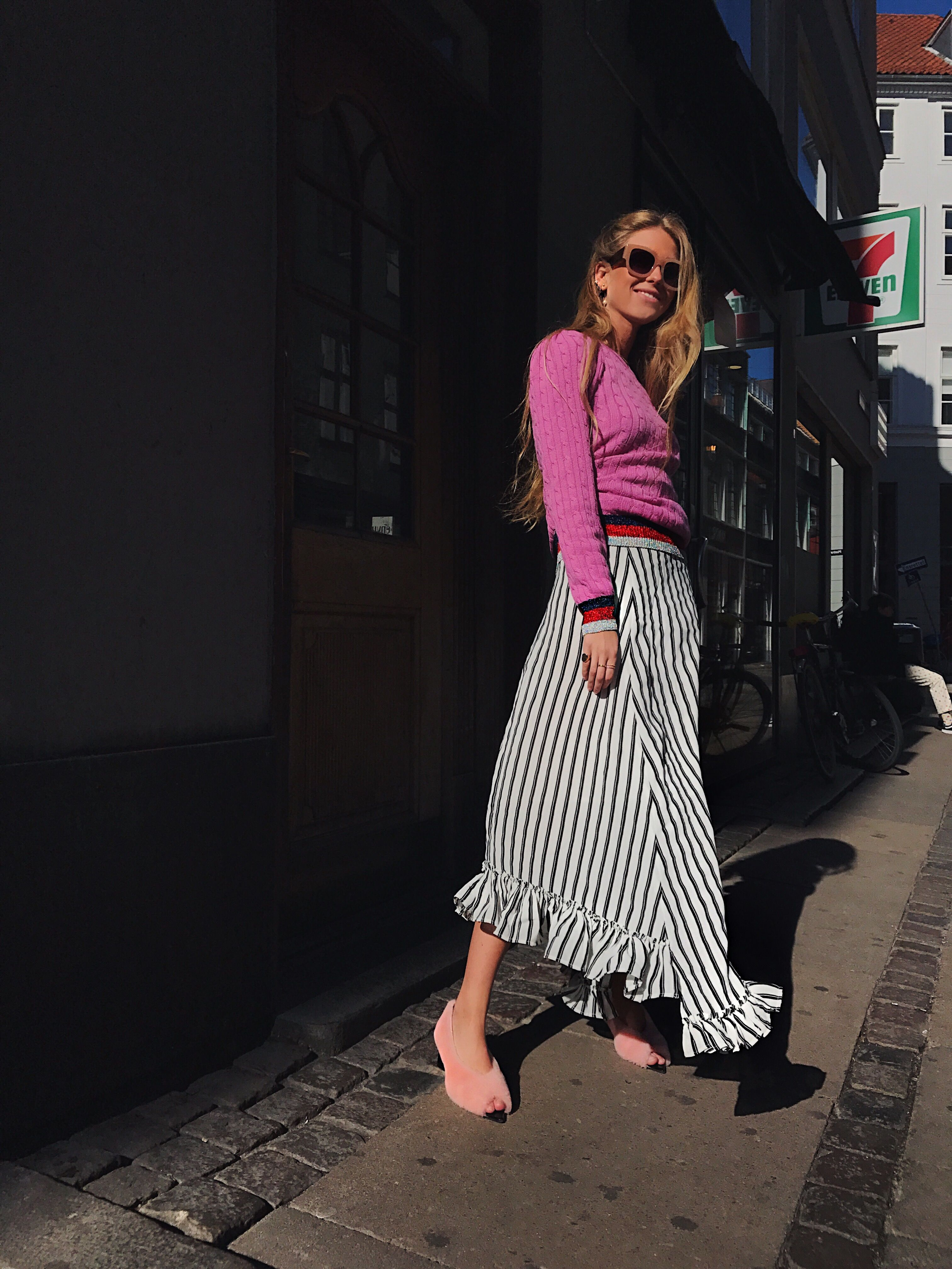 Pink – Emili Sindlev