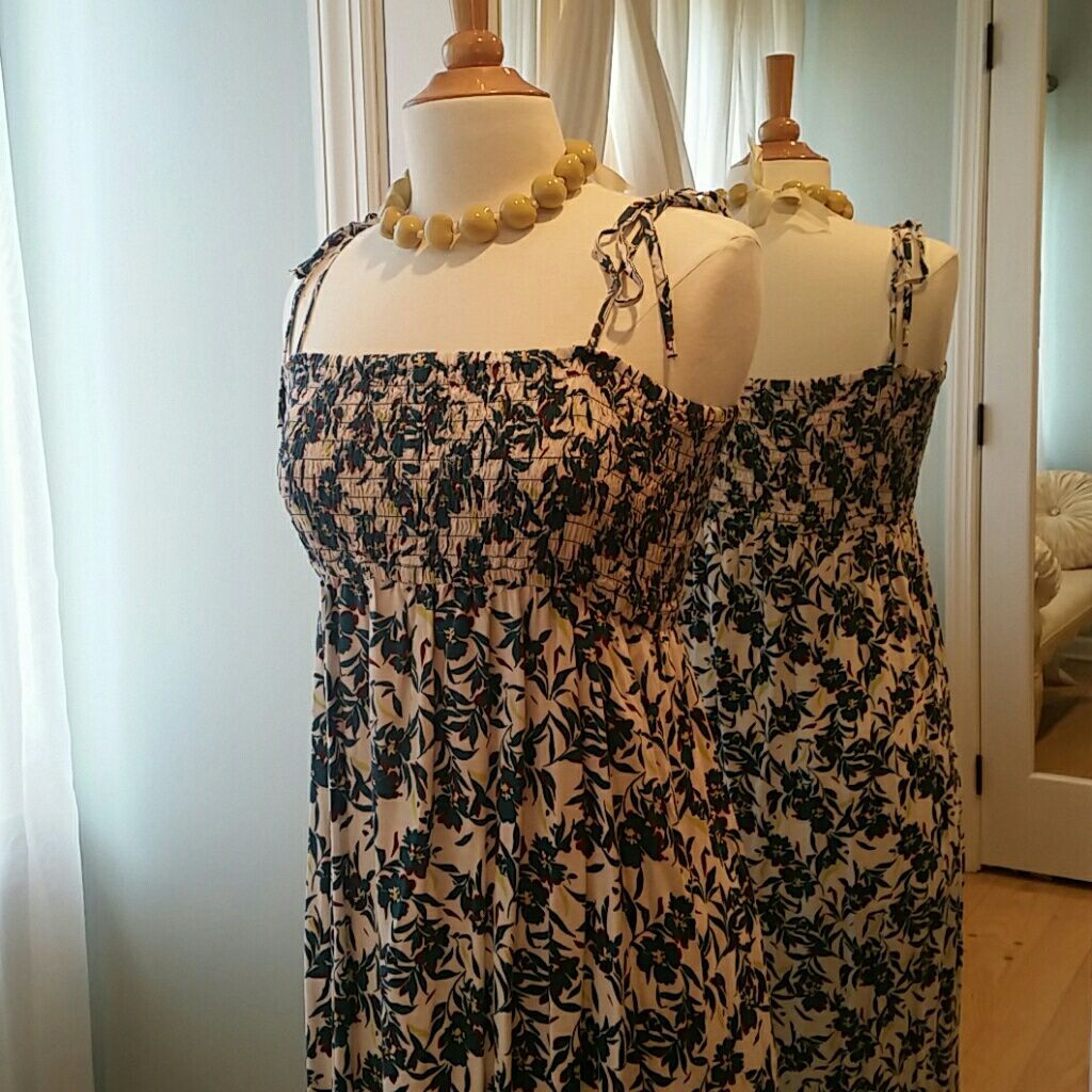 Uniqlo long floral dress with thin tie straps products