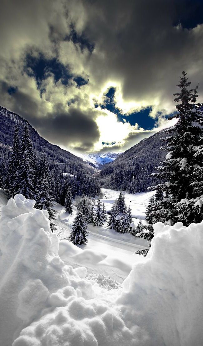 Snowy #Finland http://en.directrooms.com/hotels/country/2-38/