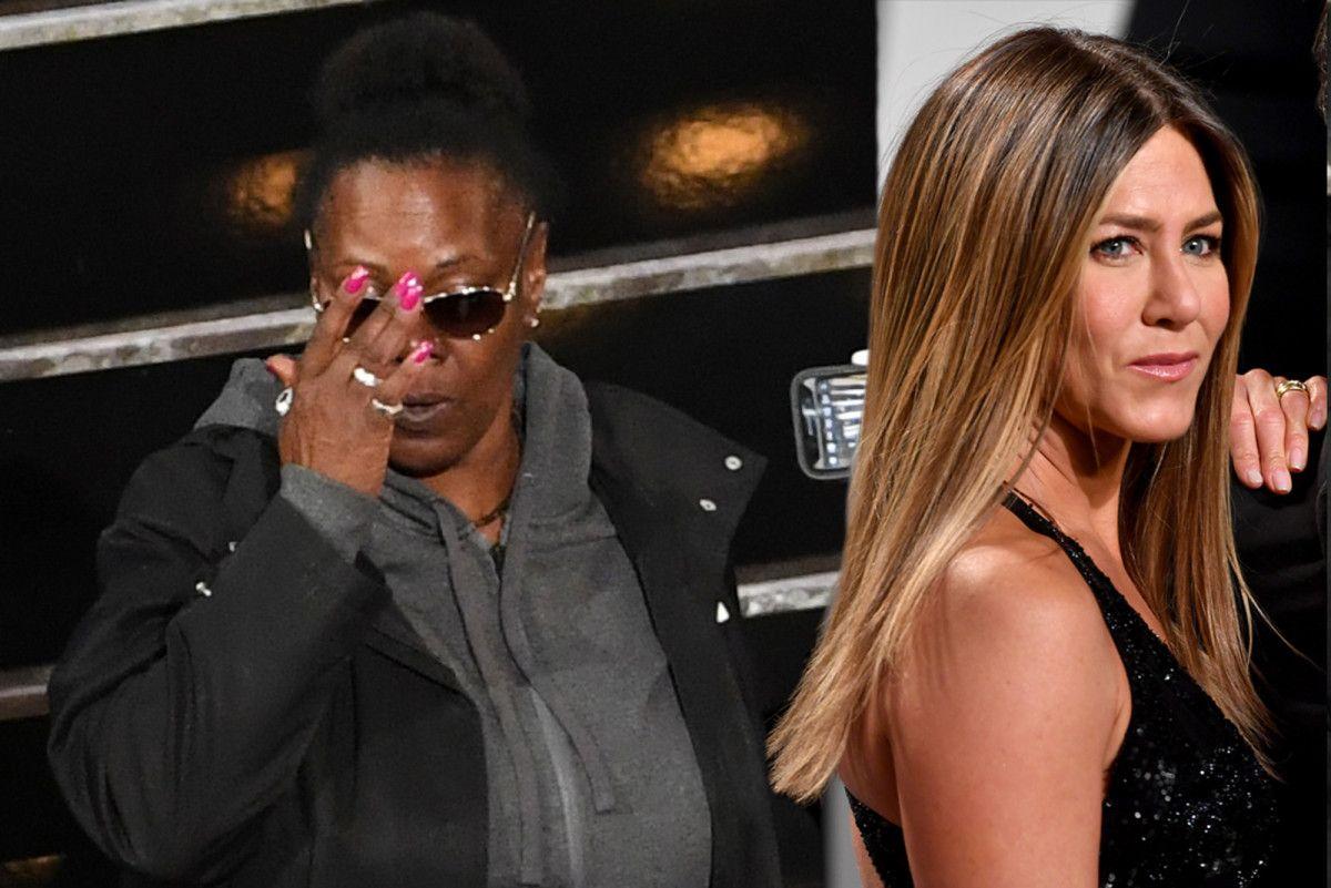 2c8e8422e4 Jennifer Aniston s  625 Sama Eyewear sunglasses got swiped during Oscars  skit