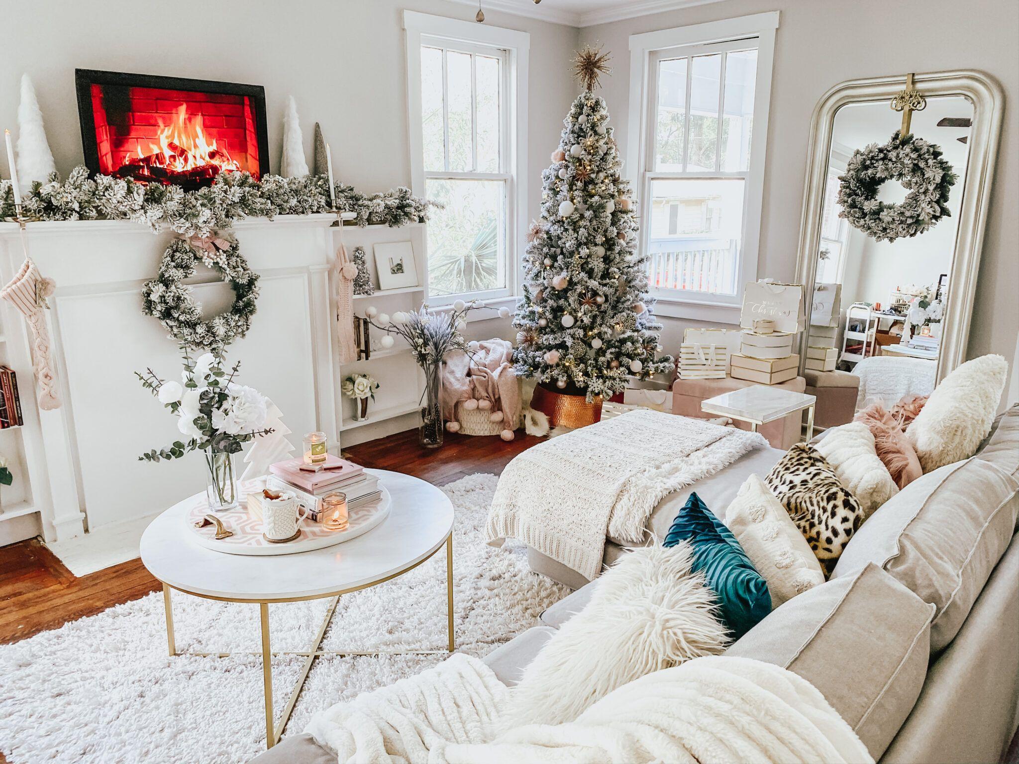 My Holiday Home Decor Tour + Video Stephanie Pernas