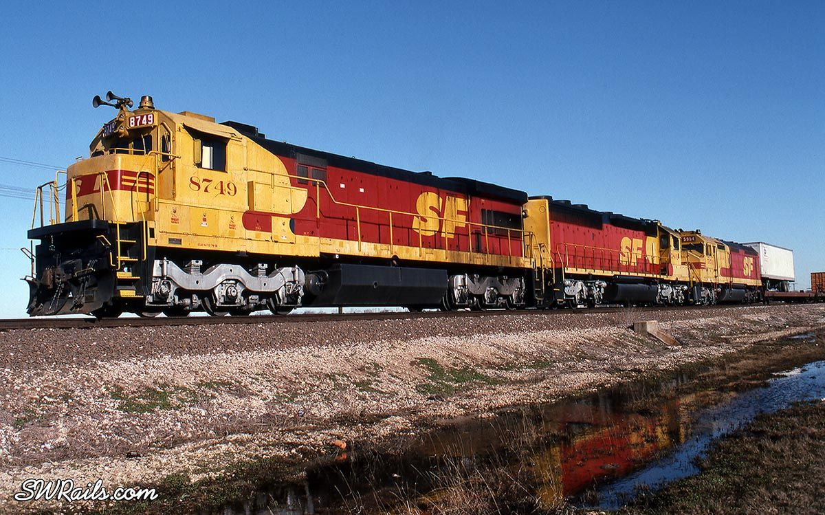 Kodachrome southern pacific santa fe railroad 39 s red - Red and black paint schemes ...