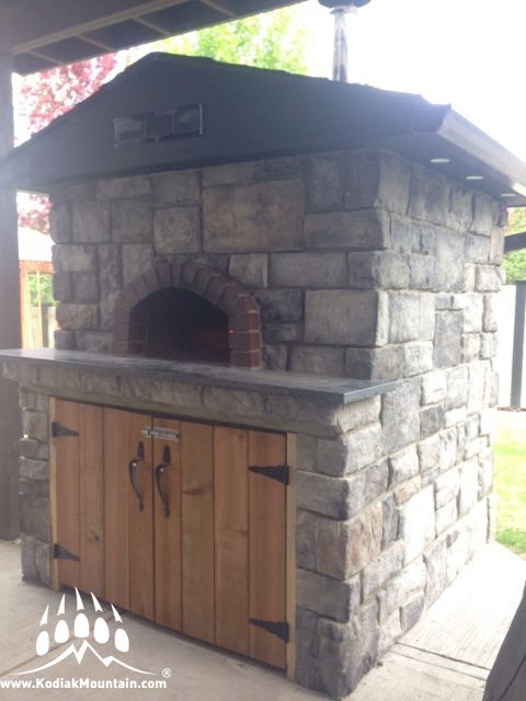 Here is a great new outdoor fireplace/oven in Calgary Alberta that uses our Southern Hackett profile in Granite. www.KodiakMountain.com