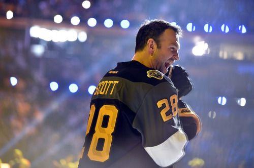 f3bda5d2740 Former Aeros enforcer John Scott steals the show at NHL All-Star ...