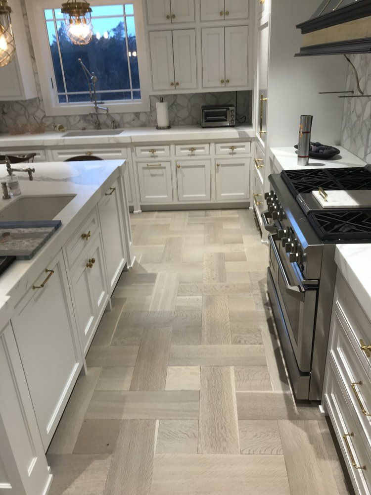 TO GRAY OR NOT TO GRAY? GRAY HARDWOOD FLOORS... A TREND OR