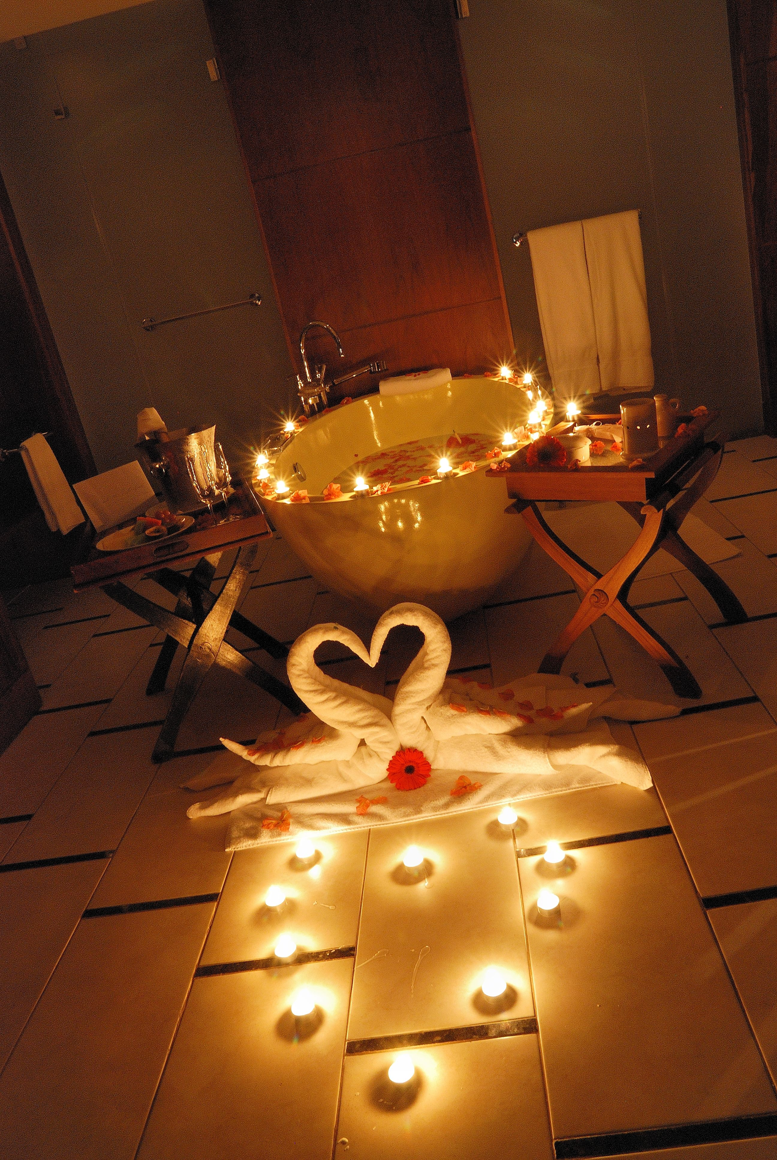 Romantic ideas with rose petals and candles.... Would def win me ...