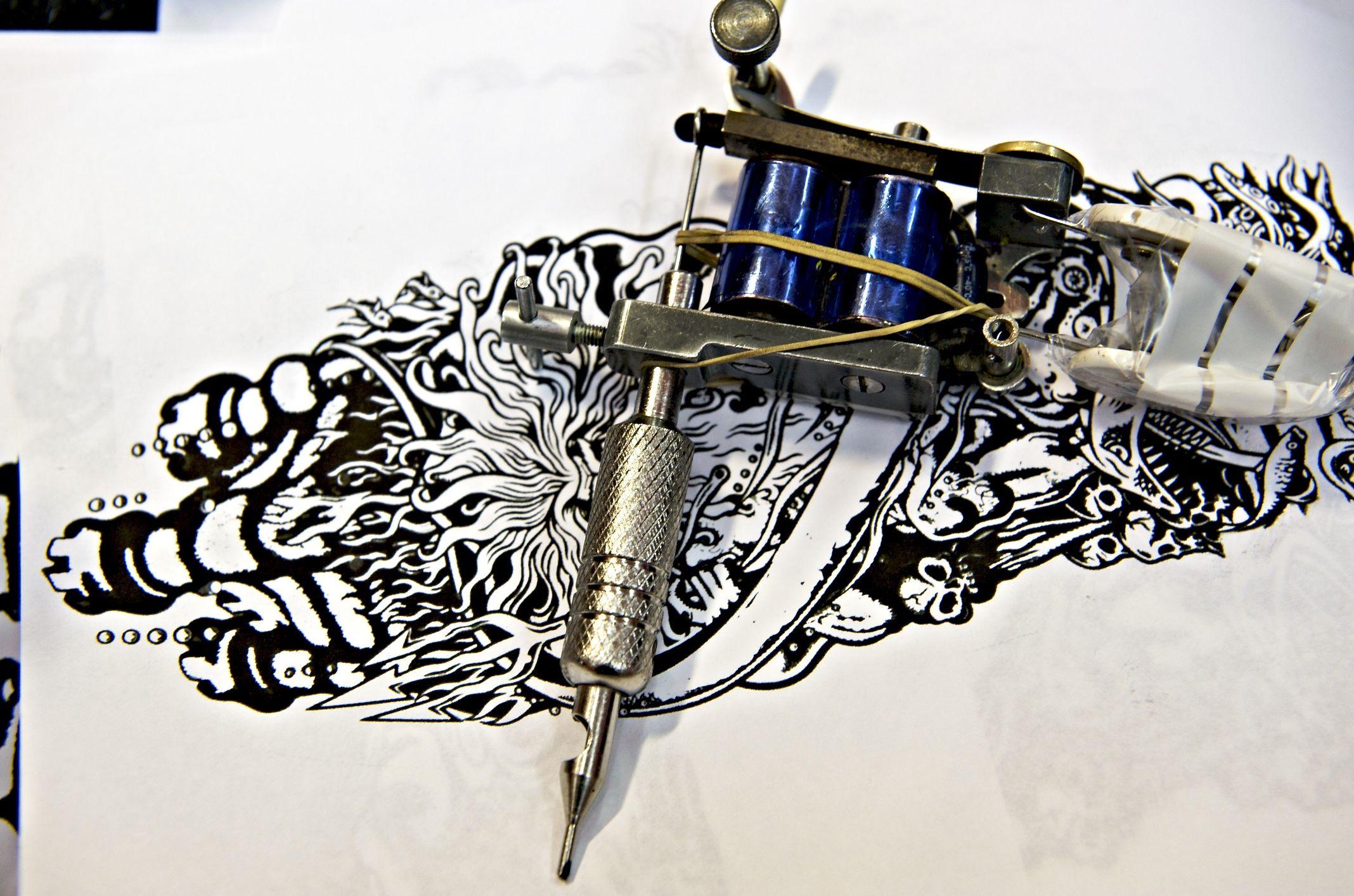 Pin On Hd Wallpapers Tattoo machine wallpaper hd