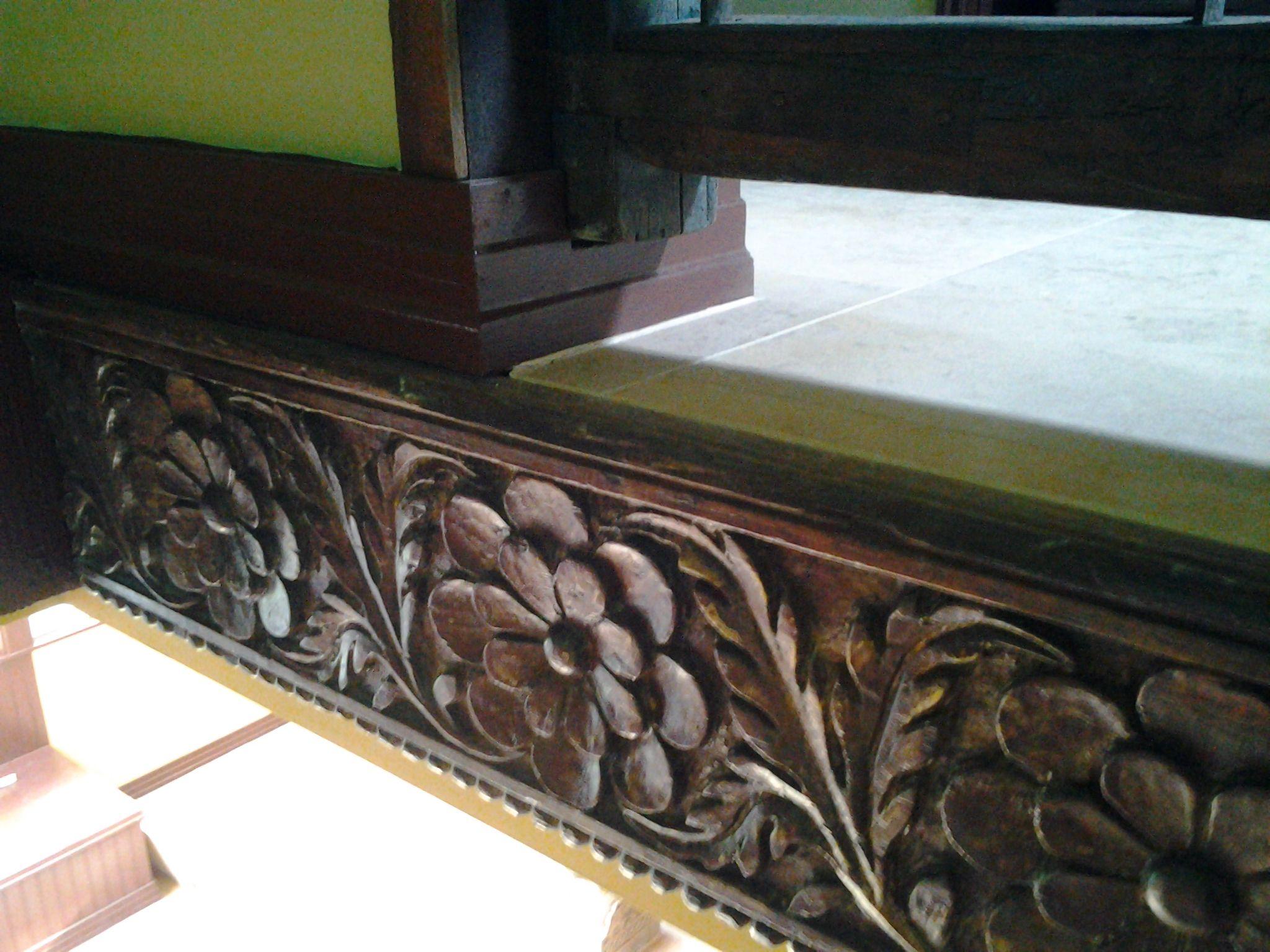 Best Stair Case Detail 18Th Indian Carved Teak Wood Crown 400 x 300