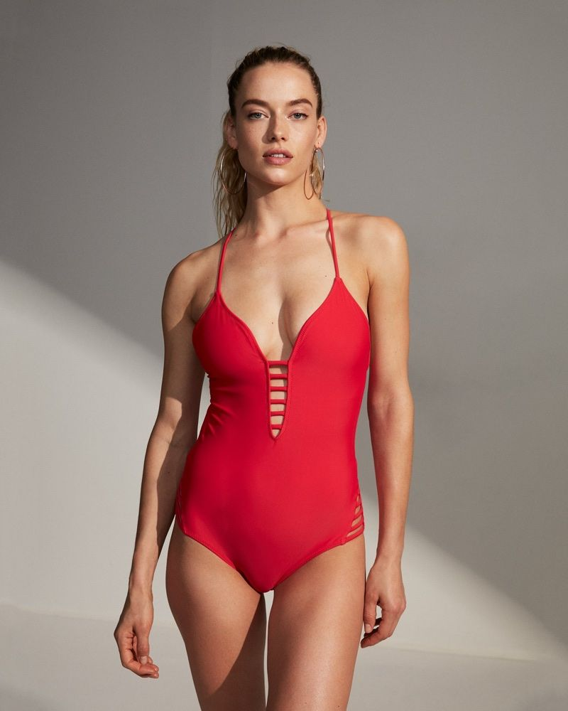 Hannah Ferguson Sizzles In Express Latest Swimsuit Styles In 2020 One Piece Swimsuits One Piece Swimsuit Red