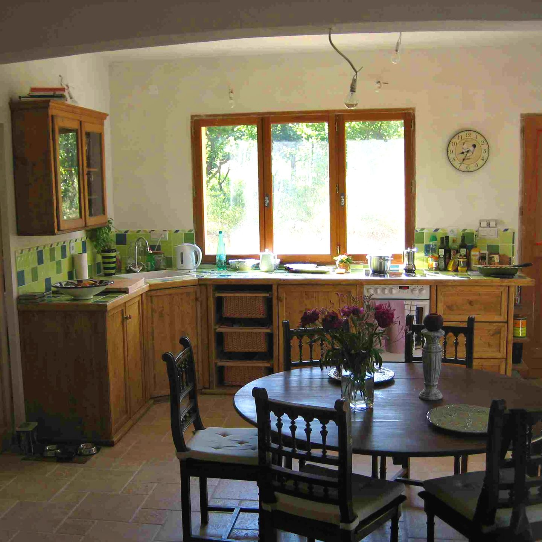 Küche mit #senosan hochglanzfronten und bedruckter ...