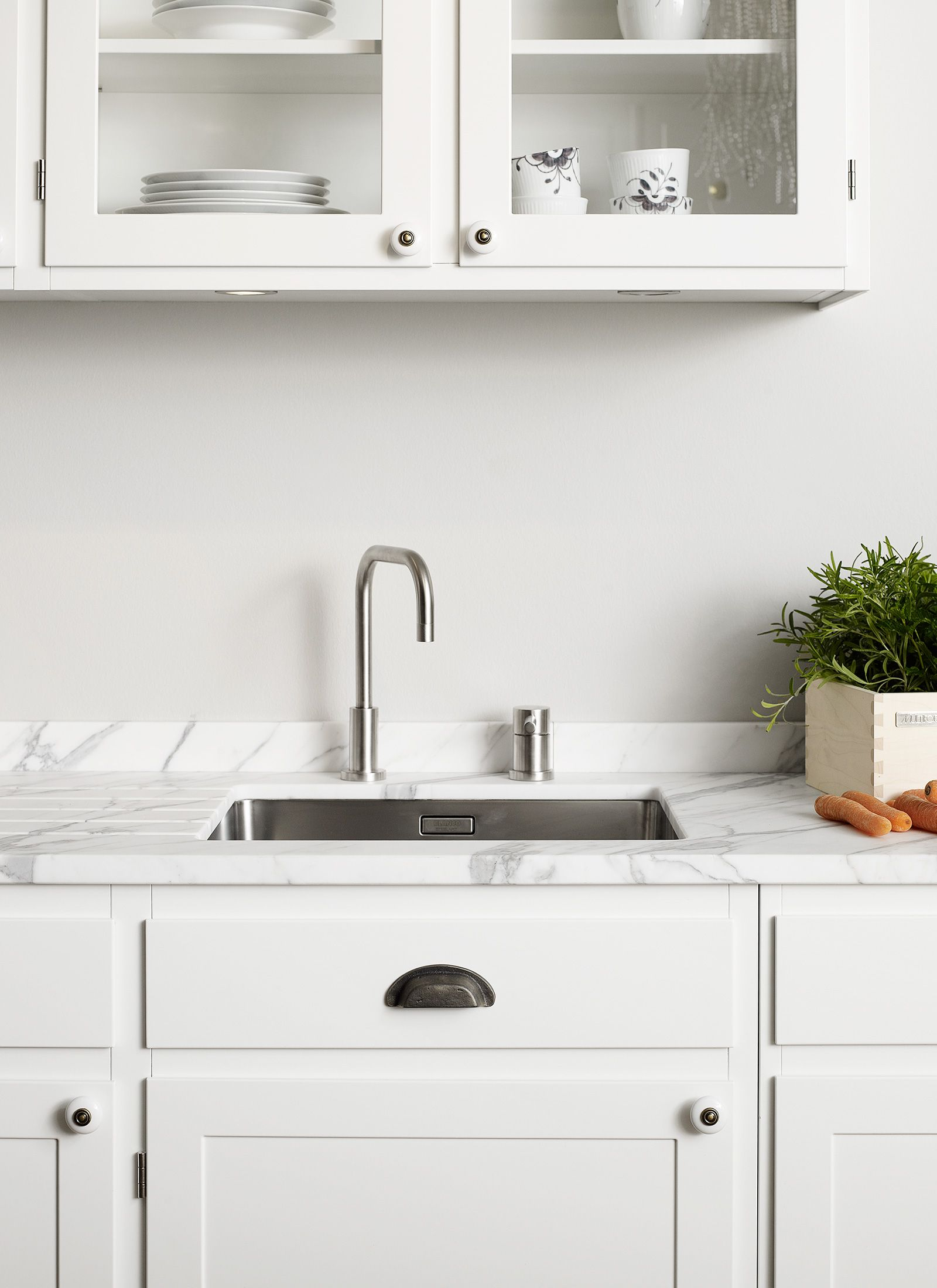 Marmor Küchen: Vorteile, Nachteile und Beispiele mit Bildern
