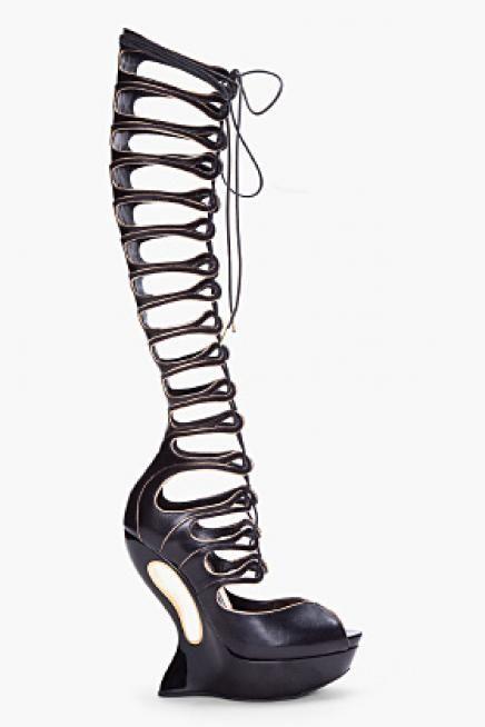 Monday style inspiration: Crazy high heels