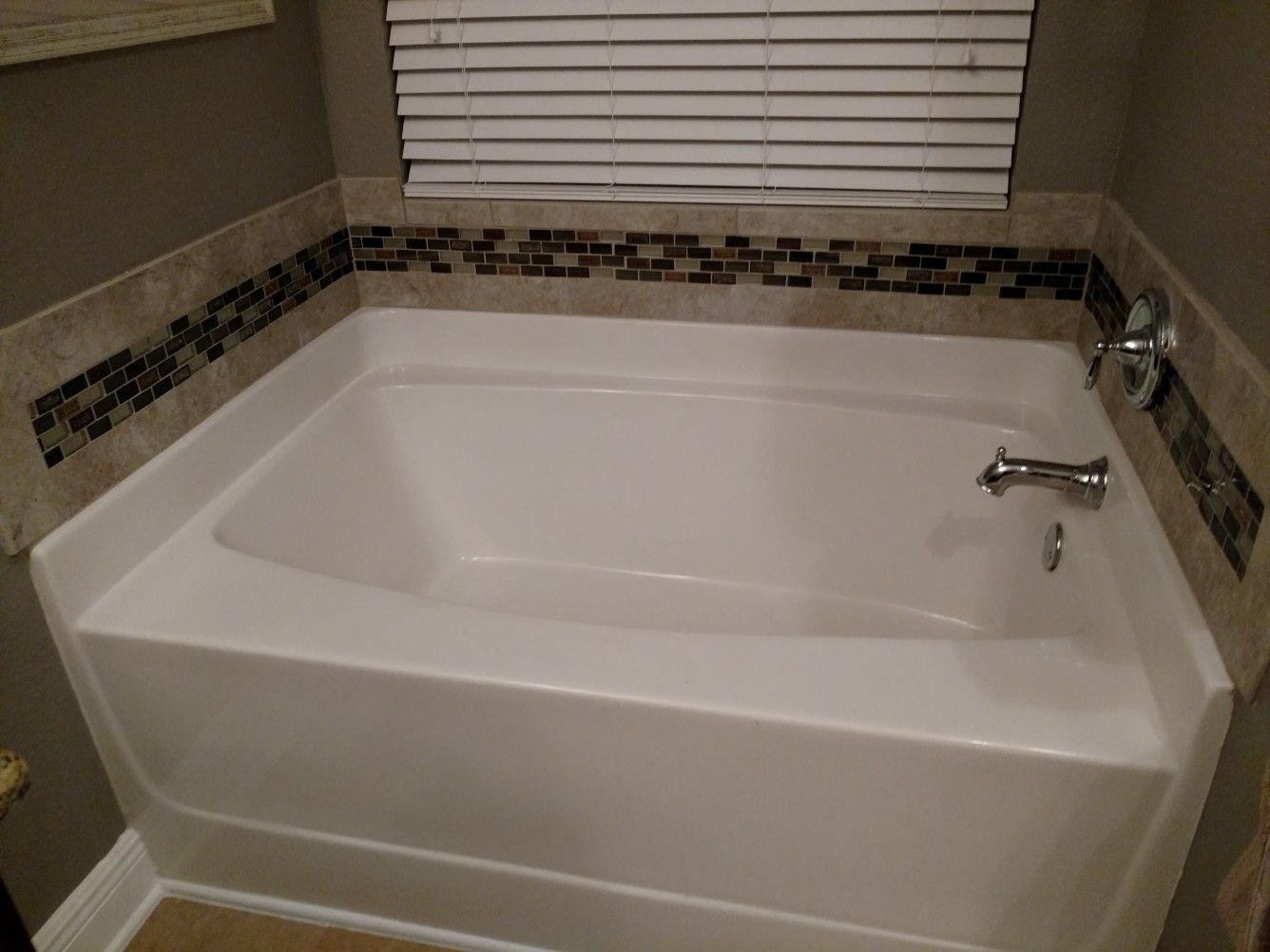 Back Solah Around Garden Tub With Images Tub Remodel Master