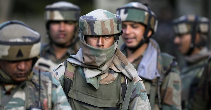 Do You Know Why The Indian Soldiers Wear That Strange Looking Headgear And What It Actually Does Indian Army Combat Helmet Army Soldier