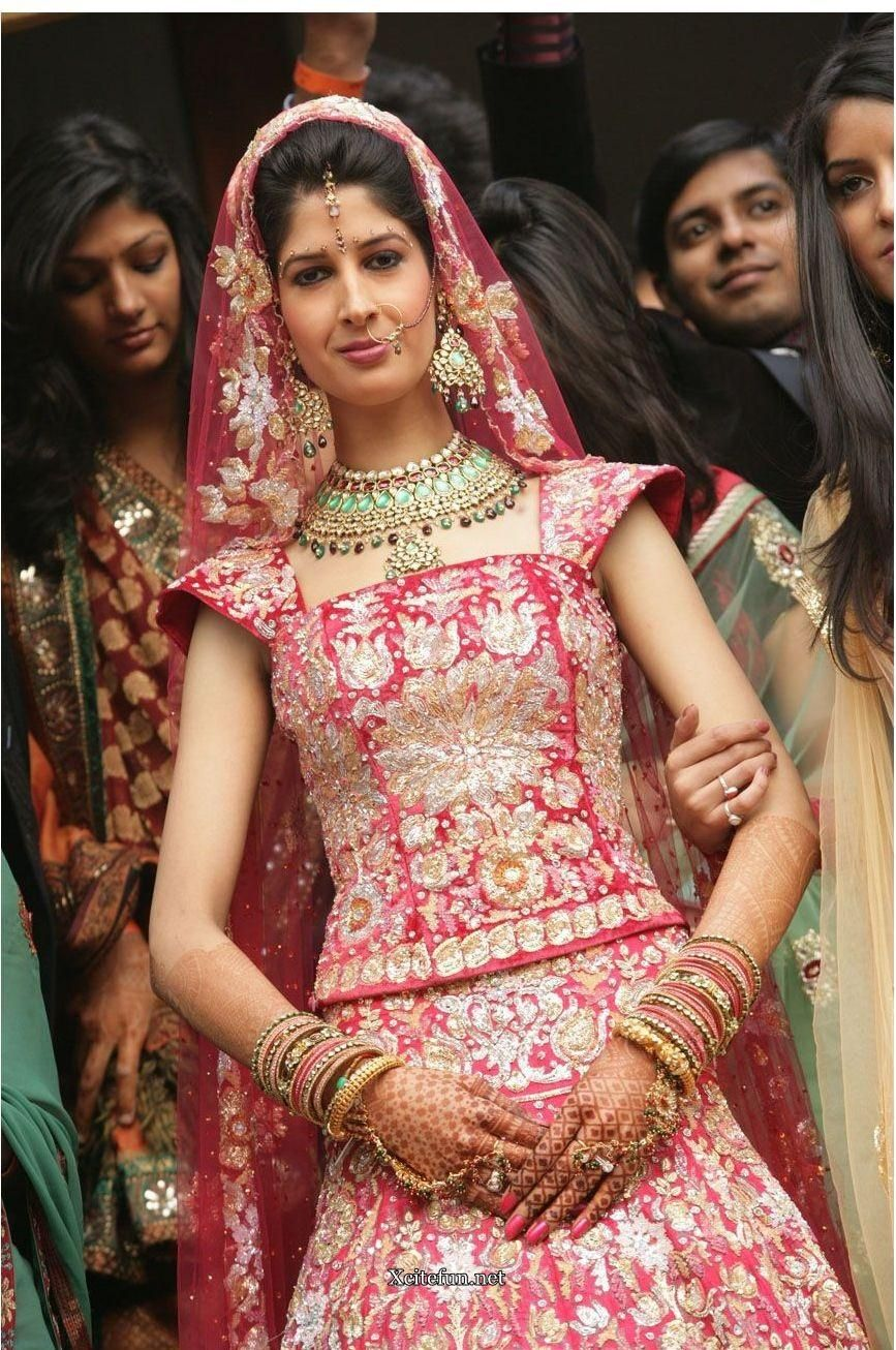 Indian Bridal Traditional Dress jewelry And Makeup | Beauty of India ...
