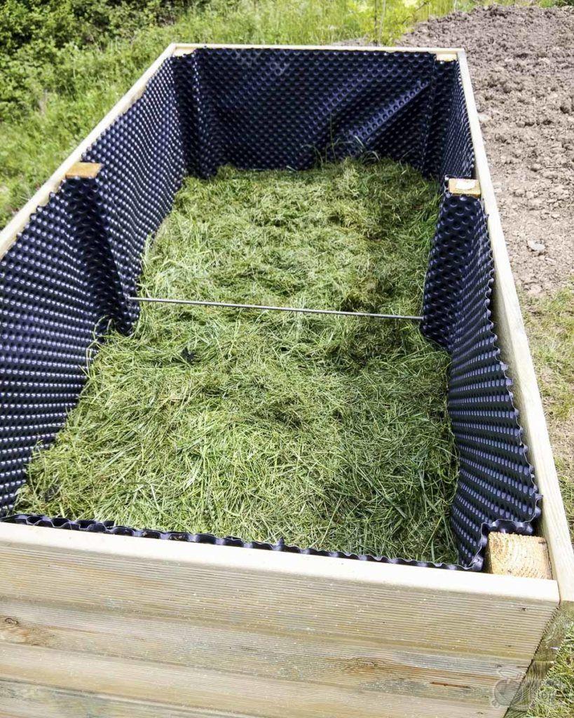 Relleno Perfecto De La Cama Elevada En 6 Capas Tambien Para Nuevos Jardineros Wesel B En 2020 Proyectos De Jardin Jardineria De Invernadero Decoracion De Jardin Diy