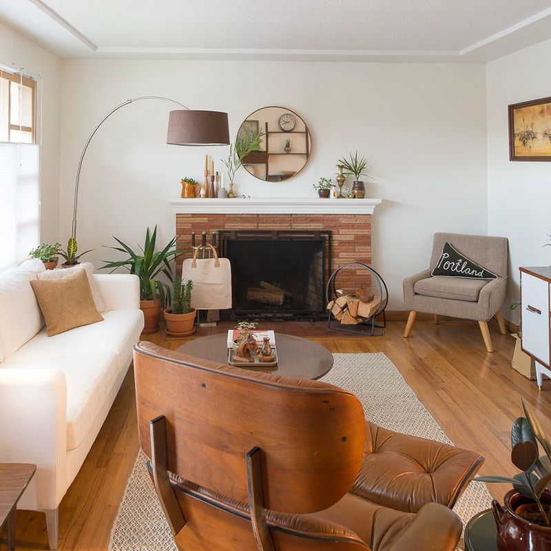 Geometric Patterns Perk Up A Mid Century Home In Oregon Mid Century Living Room Decor Mid Century Modern Living Room Furniture Modern Furniture Living Room