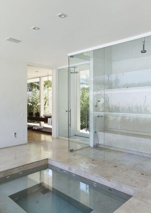 Residência Park Palace – Barra da Tijuca II / Progetto – Gisele Taranto e Izabela Lessa #patio #spa #sauna