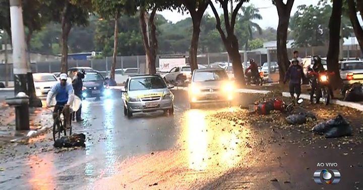 @g1goias : Após chuva 'tímida' tempo deve seguir instável em Goiânia diz Inmet https://t.co/LEGtWe4uym (via Twitter http://twitter.com/g1goias/status/765557541988433924) #Goias #Raynniere #Makepeace
