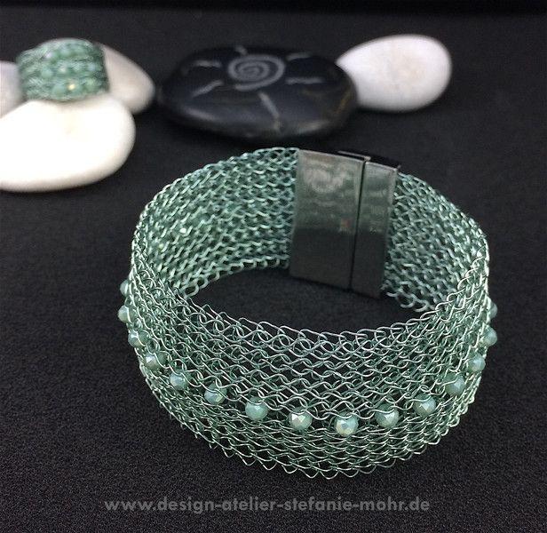 gestricktes Armband mit GLAM & GLITZER - Farbwahl | Gestricktes ...