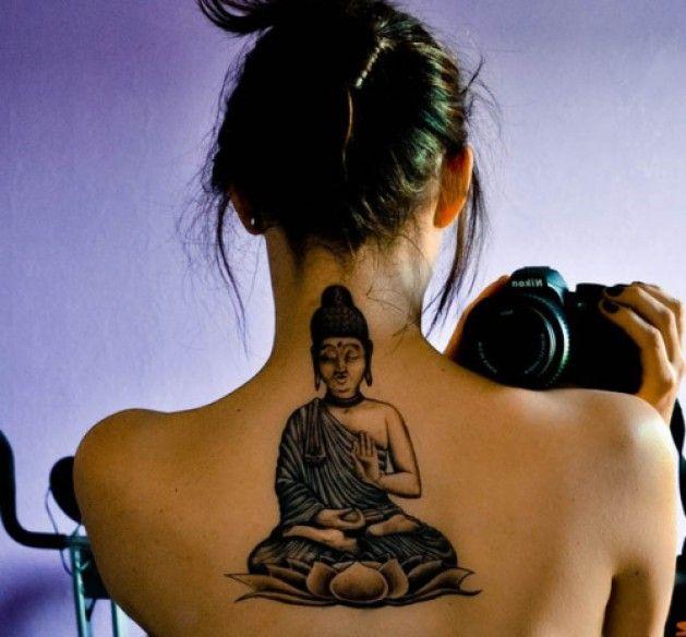 boudhisme thailandais centre haut du dos tatouage bouddha bouddha et tatouages. Black Bedroom Furniture Sets. Home Design Ideas