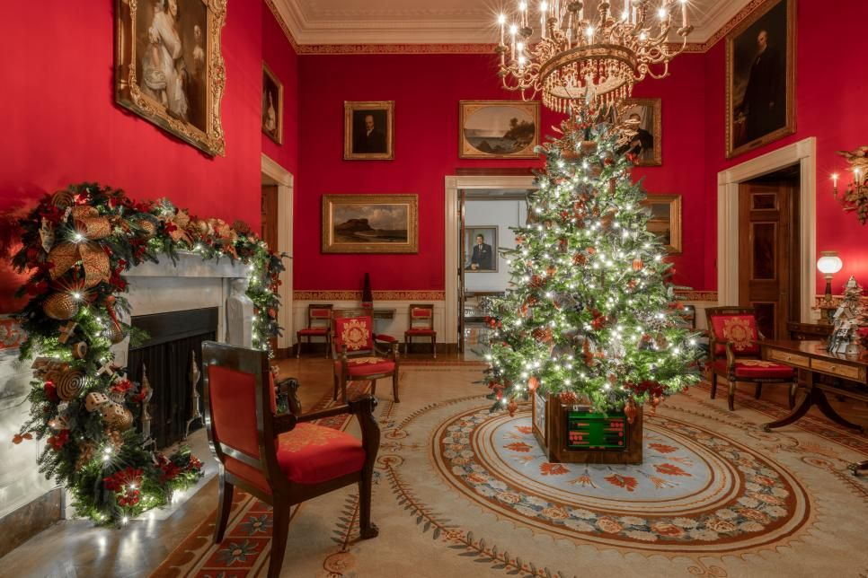 White House Christmas Tour 2019 White House Christmas 2019 Hgtv White House Christmas Christmas Tours White House