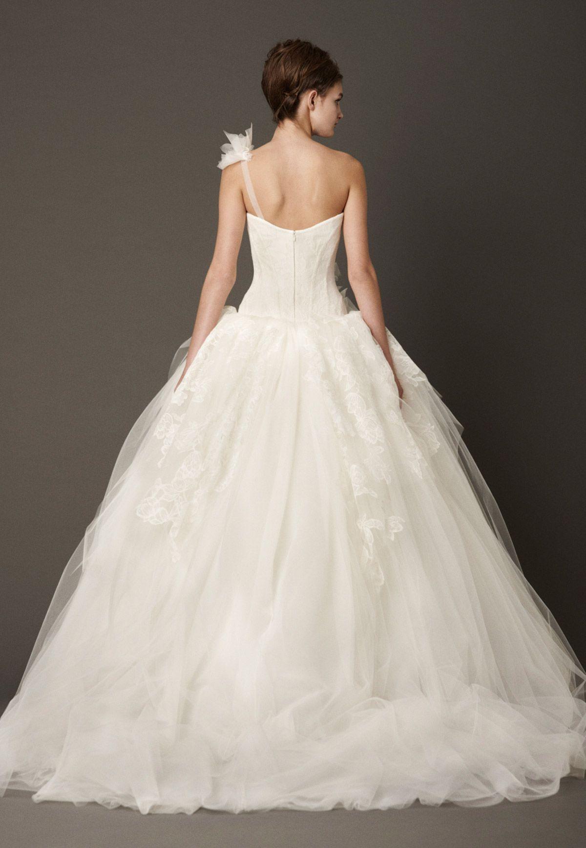 Vera wang designer wedding dresses  Vera Wang Fall  Back  Wedding  Pinterest  Bridal gowns