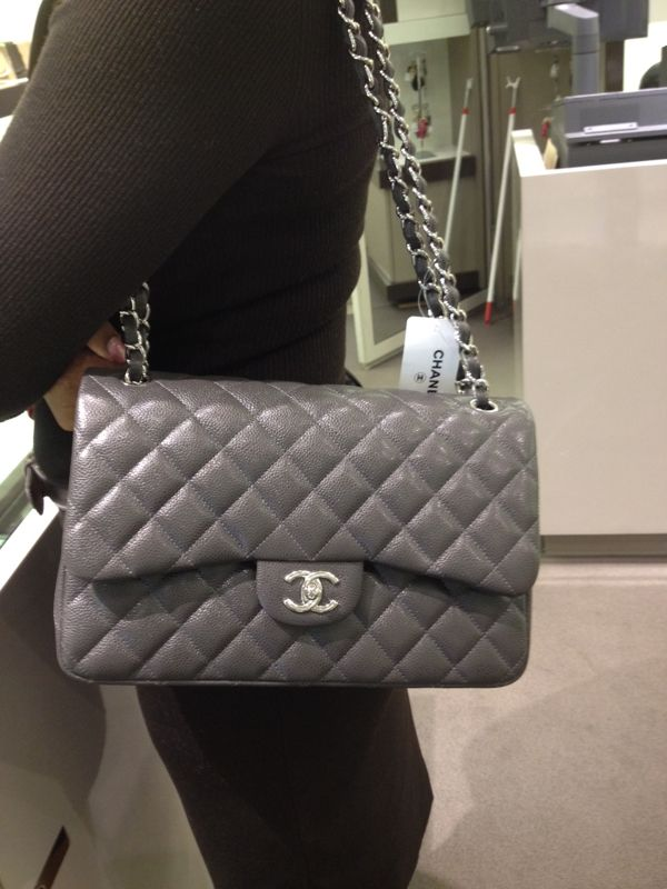cfbea900d63dc5 Grey jumbo classic caviar flap bag | Handbags | Bags, Chanel ...