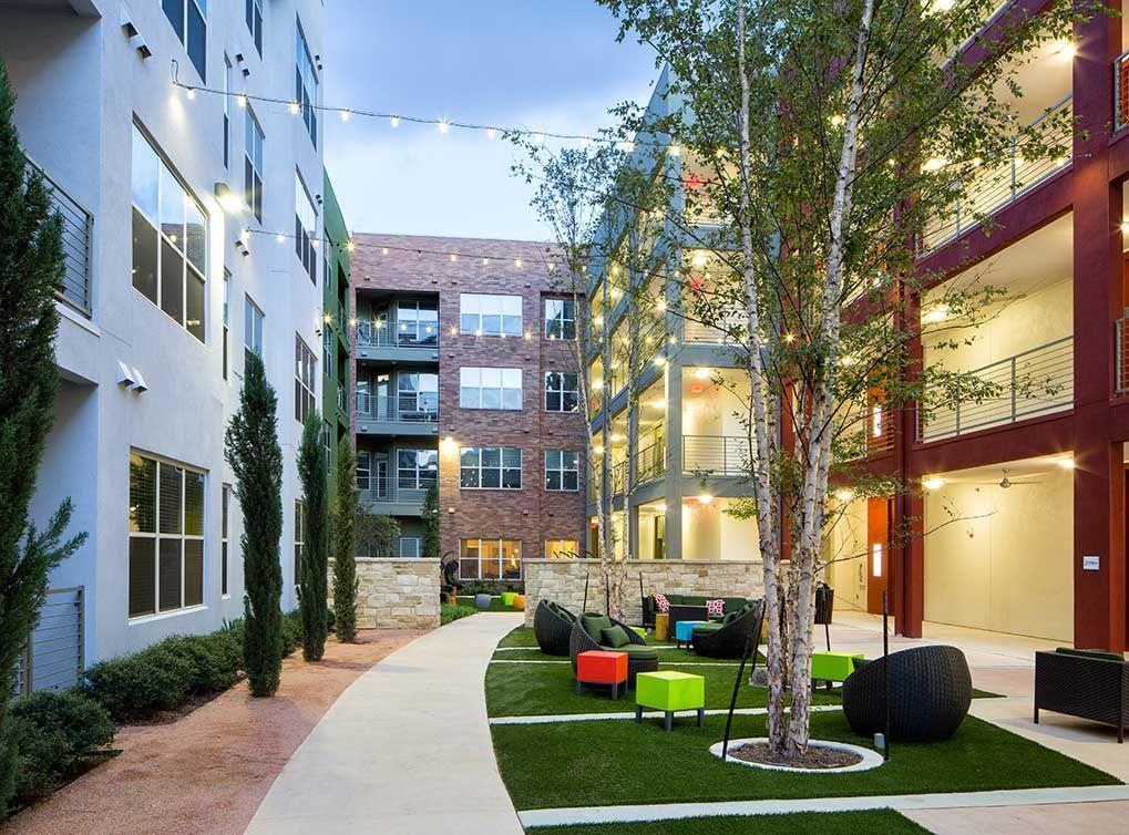 Mueller Apartments in Central Austin at AMLI Mueller