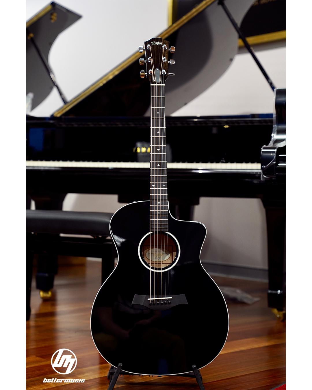 Taylor 214ce Blk Dlx Acoustic Electric Guitar W Case Black 6string Taylorguitars Acousticguitars Guita Acoustic Electric Guitar Guitar Acoustic Electric